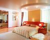 Дизайн натяжного потолока в спальне